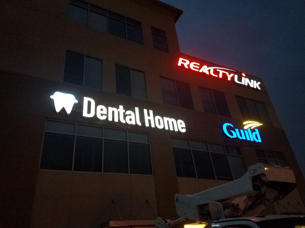 Dental Home Night View